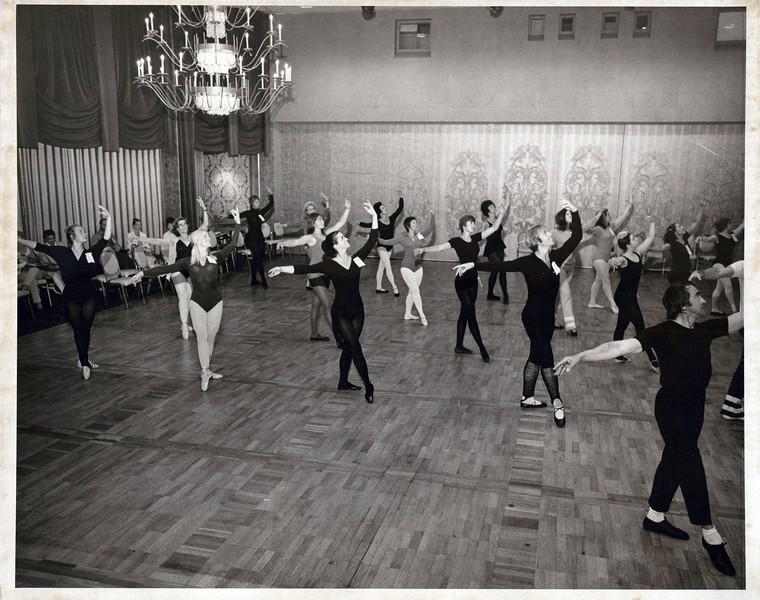 Dance_1032_a.jpg