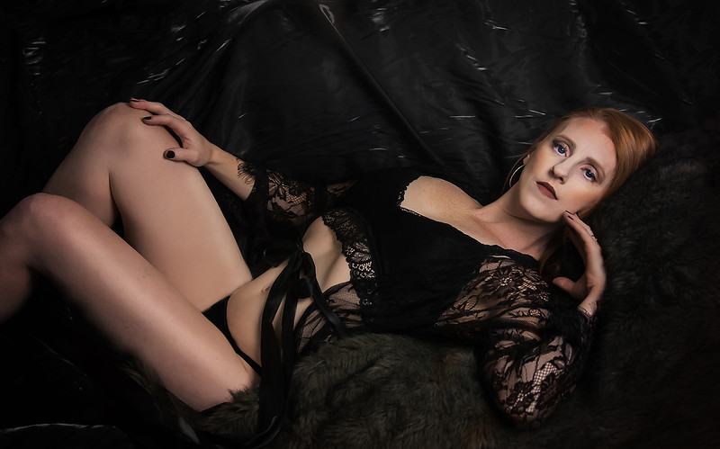 romantic elegant boudoir portraits iowa marion - 44.jpg