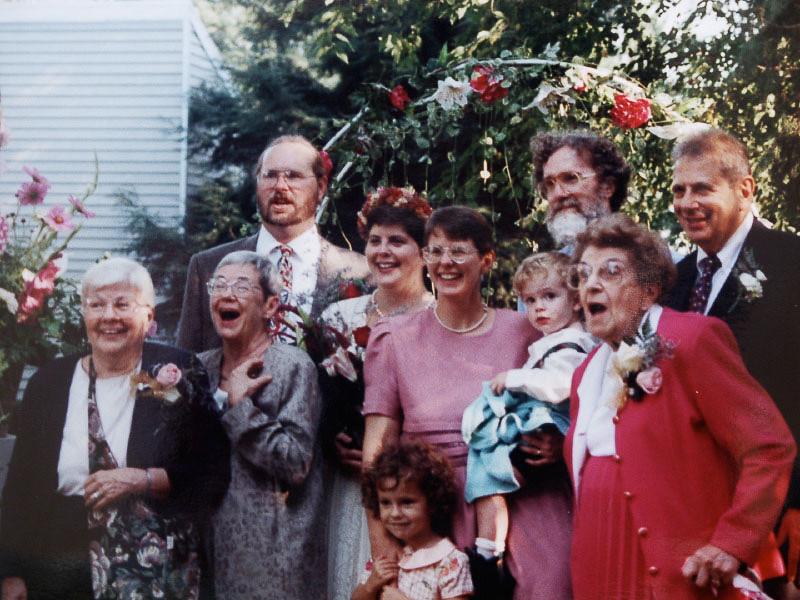 1: Ellie Davis. 2: Mary Olds, Marilyn Lee Olds, Emily Olds/Davis, Chris Davis, Grandma Concetta Maglia. 3: Bob Workshop, Shelley Olds, Tony Davis, Richard Olds