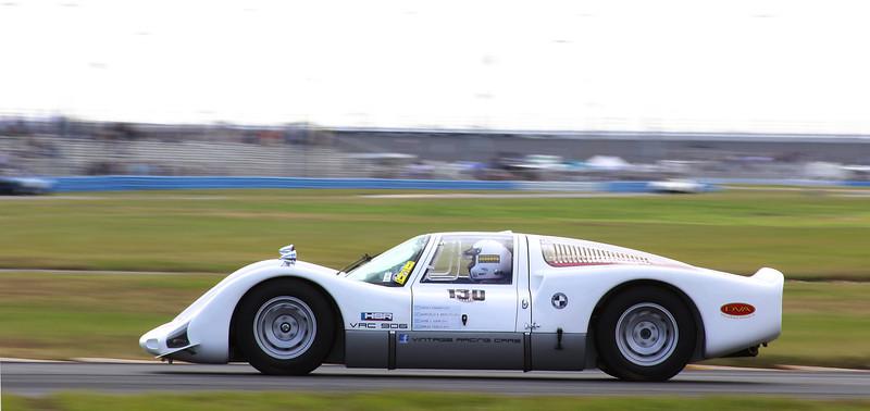Classic24-2014_#4104-#130-Porsche906.jpg