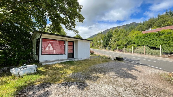 Roadside shed 1