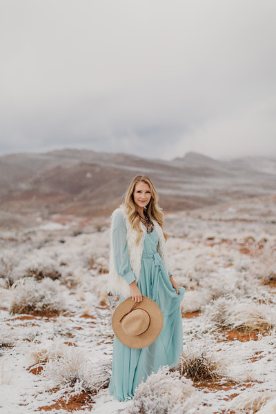Natalie(snow)-2.jpg