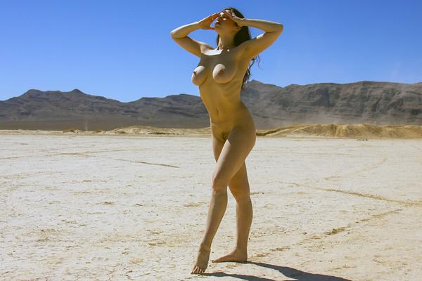 Anais Nude