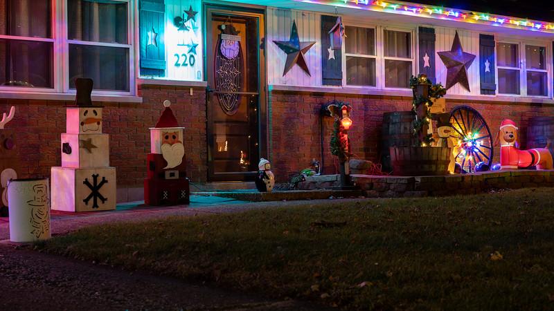 logan-elm-village-christmas-lights-114.jpg