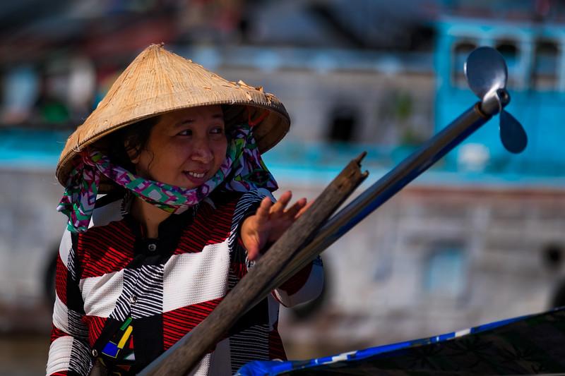 Floating-Market-Woman.jpg