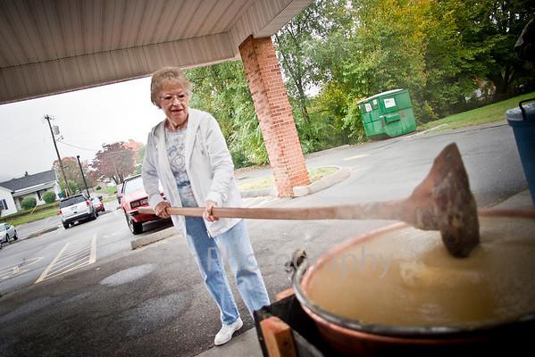 Making Apple Butter at Senior Center 10-20-10
