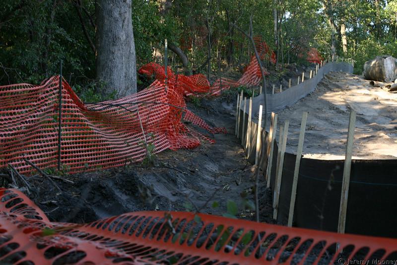 Back construction fence