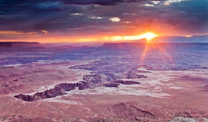 SPEAKSW-110708-2183-Canyonlands-White-Rim-Overlook.jpg