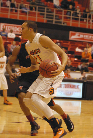 St. Charles East defeats Von Steuben in Proviso West Holiday Tournament