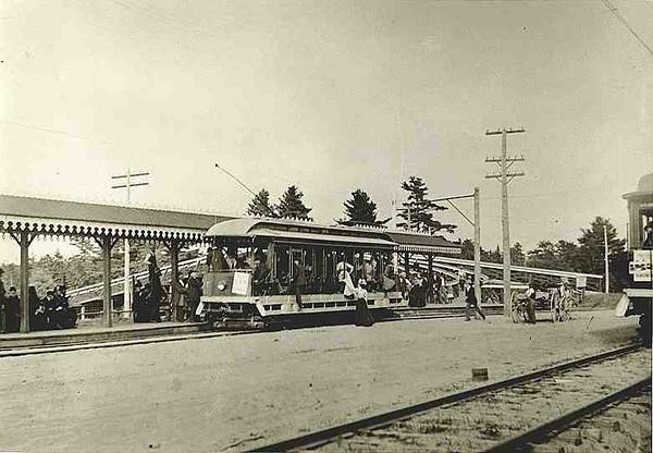 streetcar-MERRYMEETING-PARKtrolley_stop.jpg