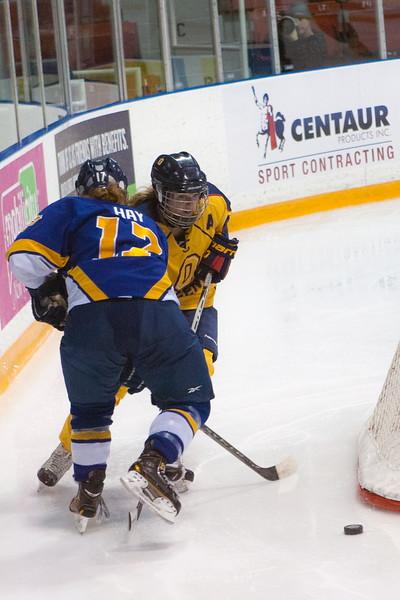 20130310 QWHockeyvsUBC 376.jpg