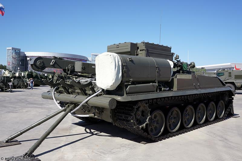 Бронированная ремонтно-эвакуационная машина БРЭМ-1М (BREM-1M armored repair and recovery vehicle)