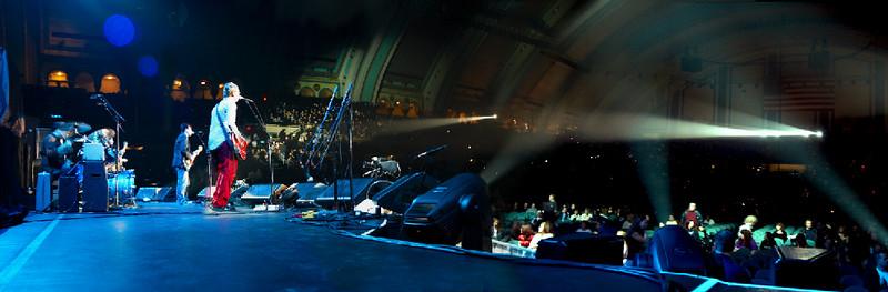 IKE opens for Bon Jovi (new)