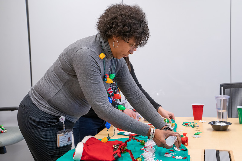 Resource Group Holiday Party 2019-00674.jpg