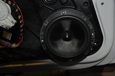 2012 Volkswagon Golf TDI Front Door Speaker Installation - USA