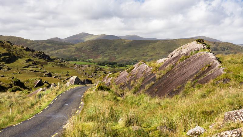 Ballaghbeama Gap mountain pass road