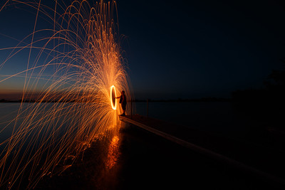Light painting/steel wool spinning