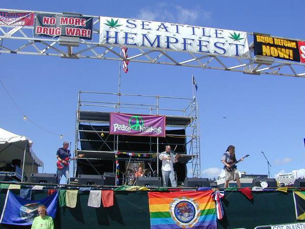 HempFest2003_205.jpg