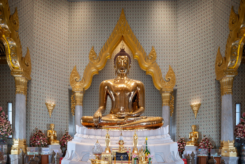 Phra Maha Mondop (Interior)