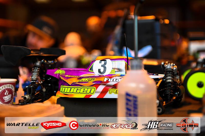 neo race track pits33.jpg