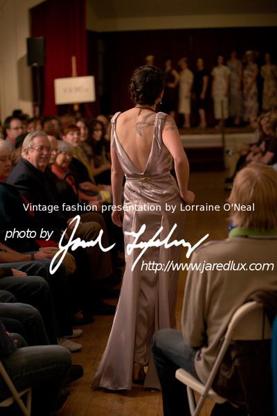 vintage_fashion_show_09_f1020616.jpg