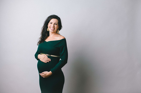 Carla's Maternity Photos Studio