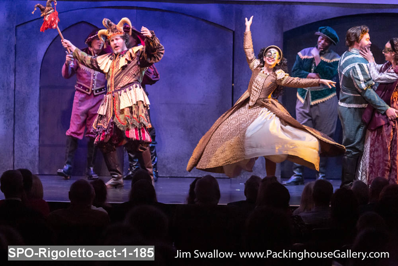 SPO-Rigoletto-act-1-185.jpg
