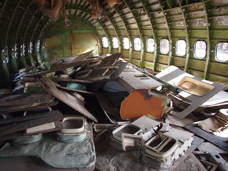 P3042827-interior-parts.JPG