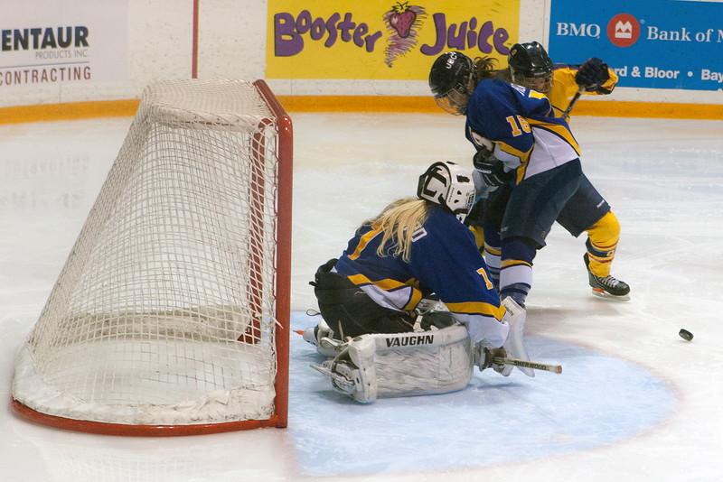 20130310 QWHockeyvsUBC 363.jpg