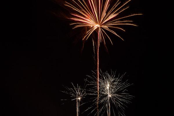 2018 - Dunorlan Park Fireworks 014_