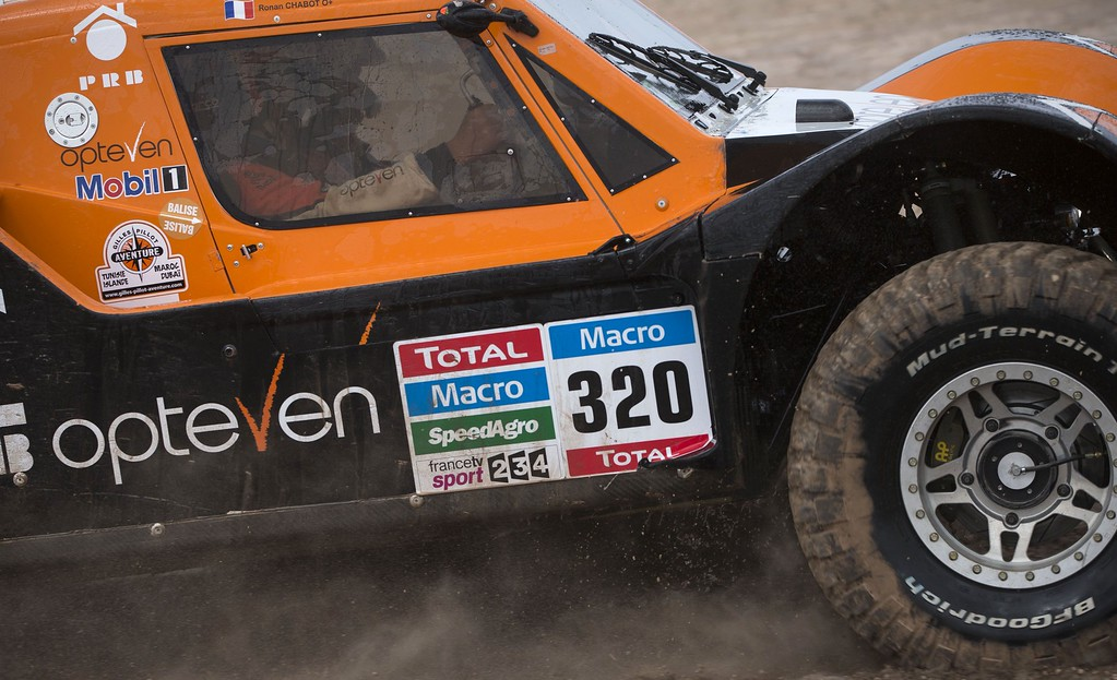 . SMG\'s driver Ronan Chabot of France and co-driver Gilles Pillot compete during the Stage 3 of the Dakar 2015 between San Juan and Chilecito, Argentina, on January 6, 2015. FELIPE DANA/AFP/Getty Images
