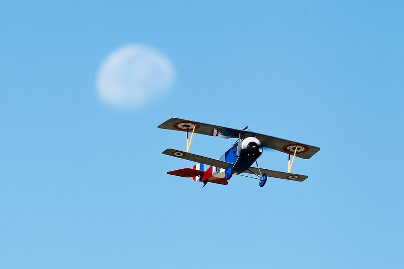 Electrifly_Nieuport17_Moon_52.jpg