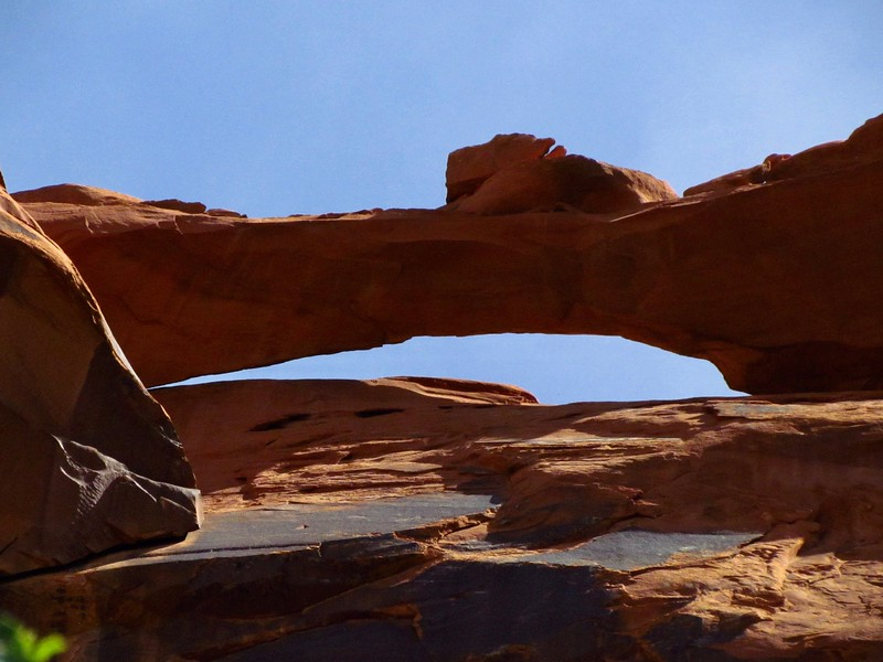 Nice arch we passed under, high up the wall.