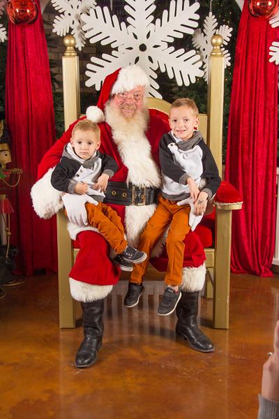 Santa 12-16-17-337.jpg