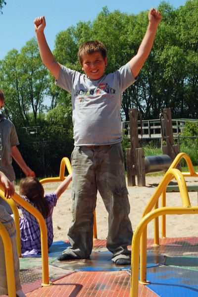 1376 David is master of the merry go round.jpg