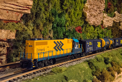 It's a small world - Model Train Layout