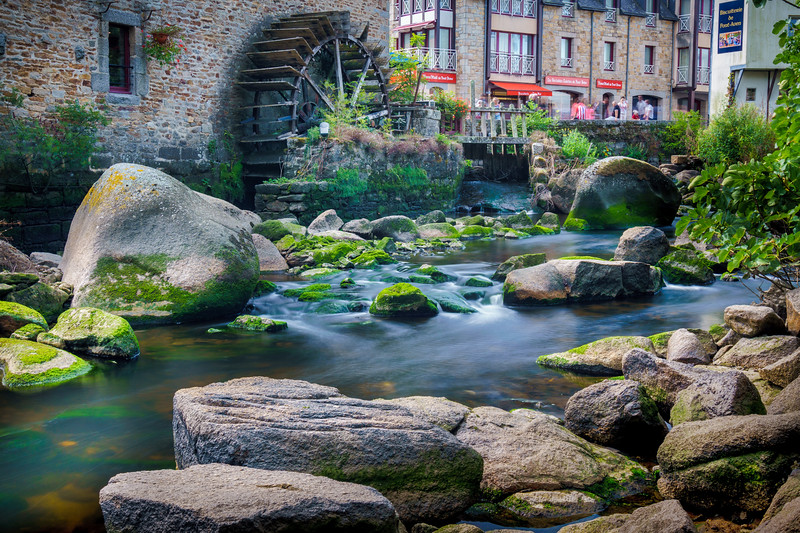 Aven River around the iconic watermill of Pont-Aven.
