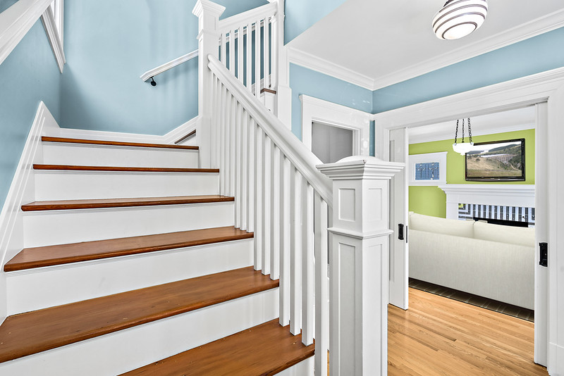 Stairs into Family Room.jpg