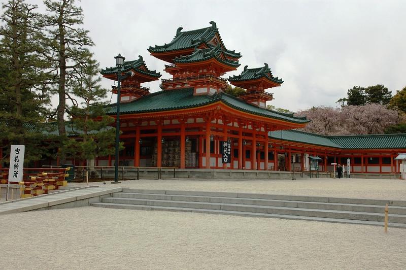 Kyoto Heian Shrine 13.jpg