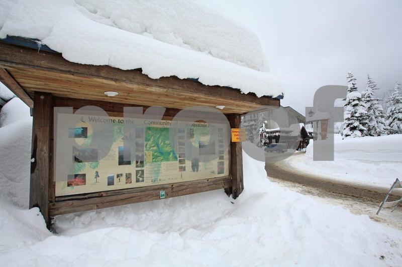 Snoqualmie ski area 8818.jpg