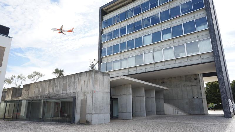 Modern bulding Lisboa (300).JPG