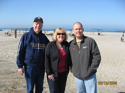 Dad,Nancy & The CA Morts in San Diego March 2009