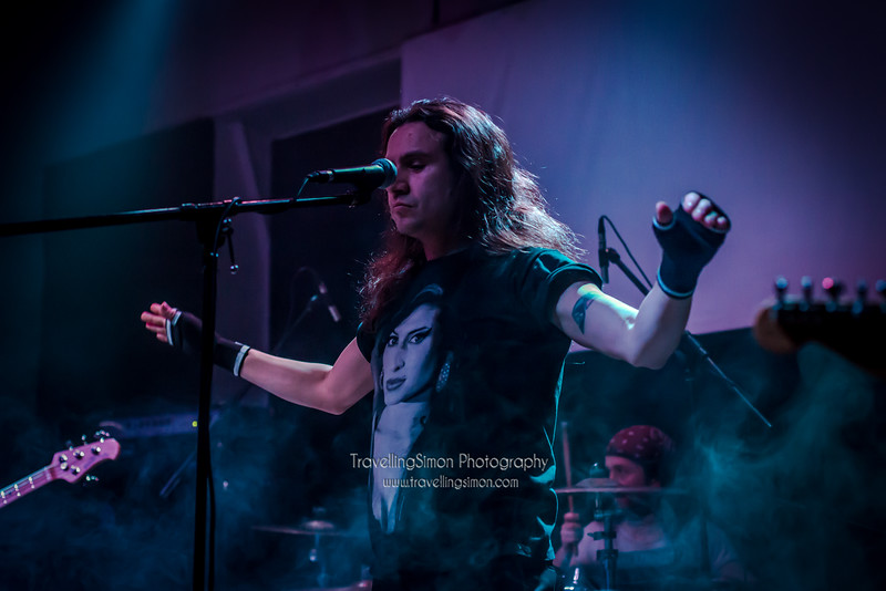 Definitely not the Chilli Peppers Ronnies Macclesfield 27th Dec 2014 travellingsimon.com_0013-93.jpg