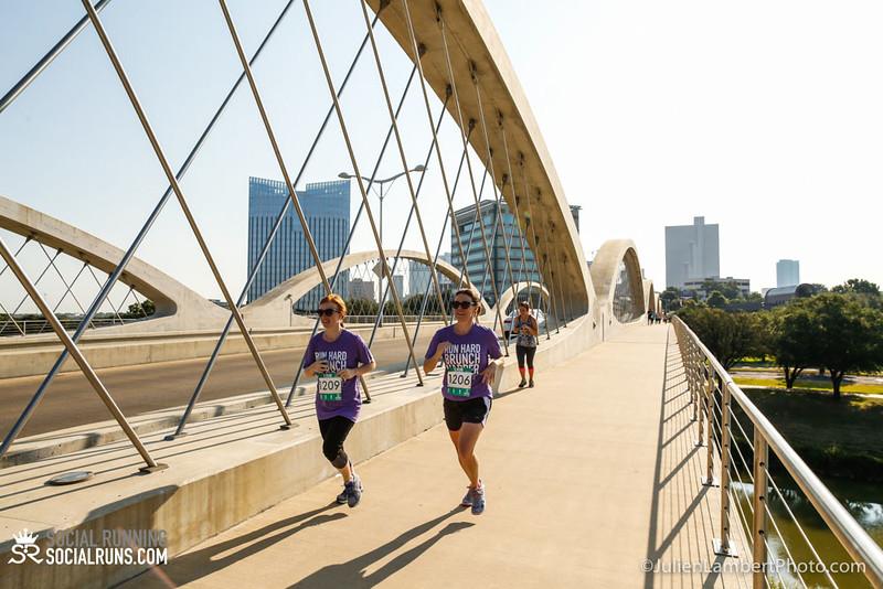 Fort Worth-Social Running_917-0605.jpg
