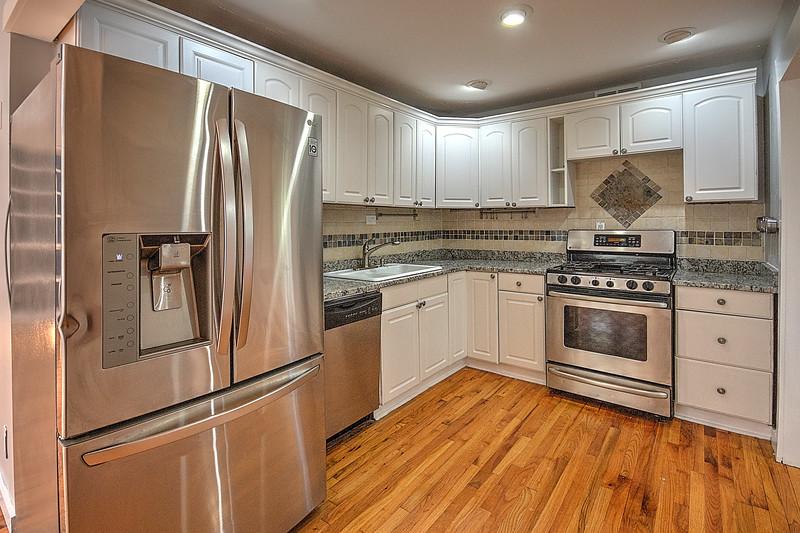 1799 Kitchen.jpg