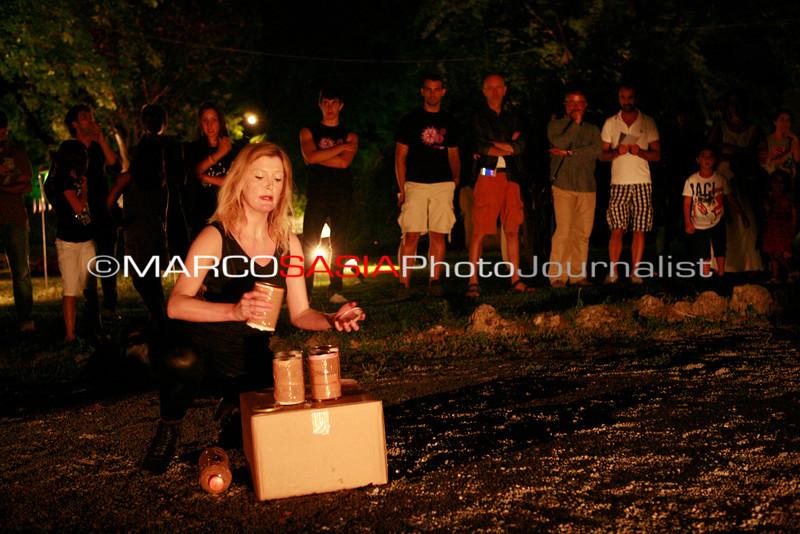 0128-ZooArt-03-2012.jpg