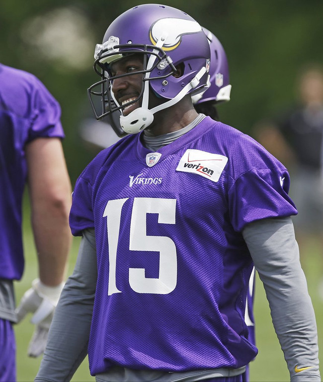 """. <p><b> New Vikings receiver Greg Jennings says that he was subjected to years of brainwashing in Green Bay that left him convinced that � </b> <p> A. The Packers are the greatest team in the world  <p> B. Wisconsin is paradise  <p> C. He can ignore whatever Leslie Frazier says  <p>  (AP Photo/Jim Mone) <p><b><a href=\'http://www.twincities.com/sports/ci_23828396/greg-jennings-brainwashed-packers-store-giving-away-his\' target=\""""_blank\""""> HUH?</a></b>"""
