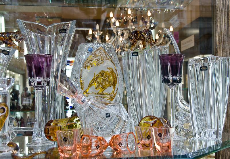 Window shopping, crystal in Prague