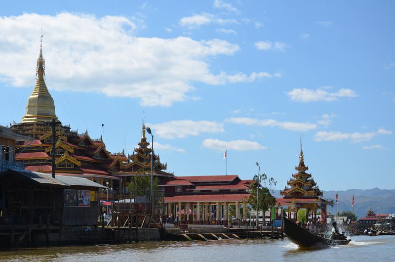 DSC_4412-canal-at-phaung-daw-oo-paya.JPG