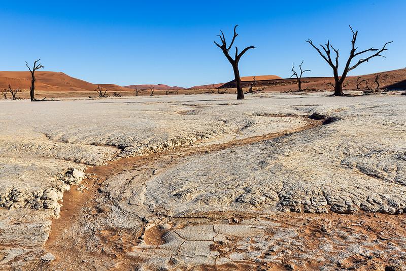 Namibia-dry-lake-bed.jpg